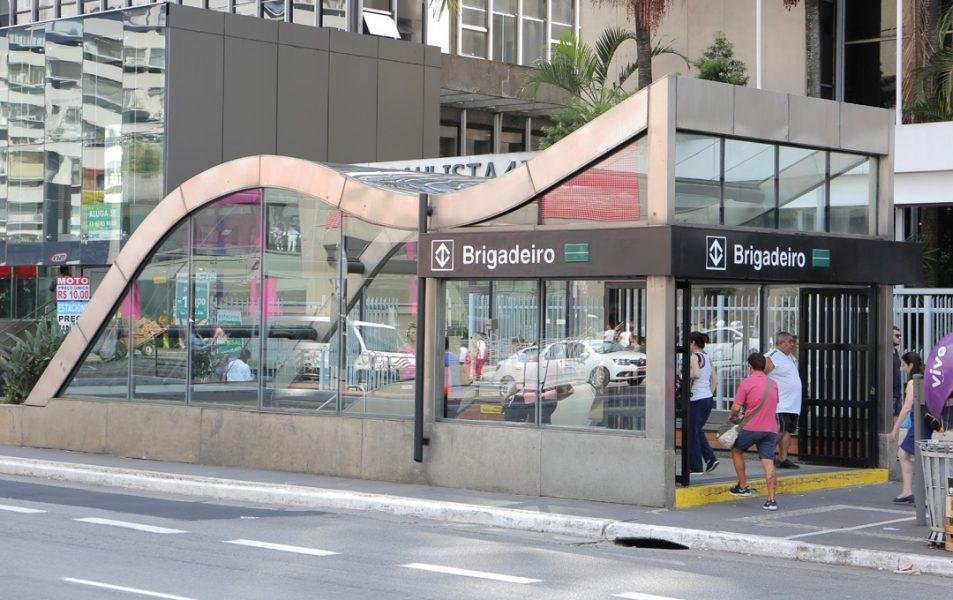 eConexão em frente à estação brigadeiro do metrô